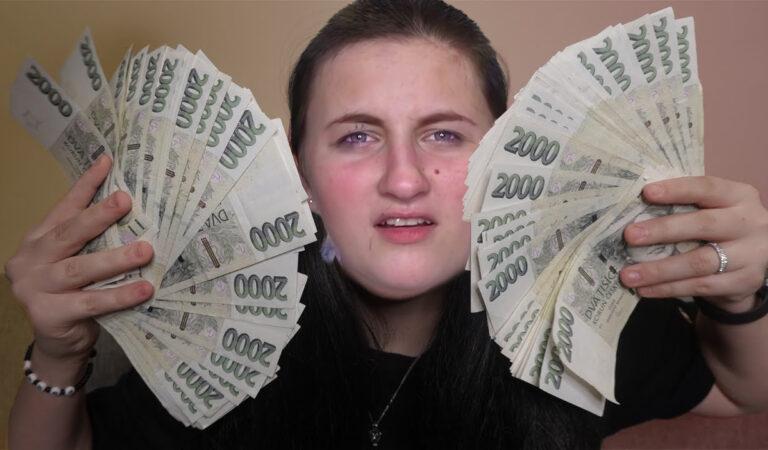 YouTuber daroval své holce 300 000 Kč – je to fake?